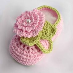 Crochet baby booties pattern $3.95