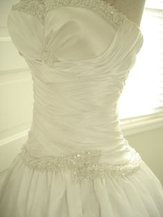 Custom Handmade Beaded Ruched Pleating Sweetheart Neckline Wedding Gown with Detachable Train