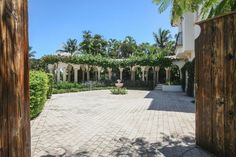 Motor Court with fountain, Mediterranean style mansion in Boca Raton, Florida