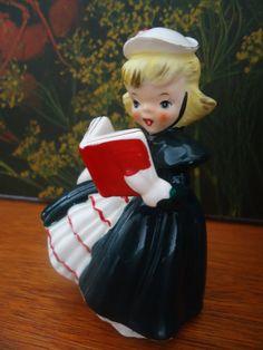 Vintage Christmas Napco Figurine
