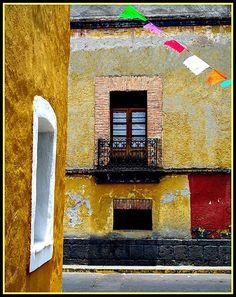 Las Calles de Coyoacan (Coyoacan, Ciudad de Mexico, Distrito Federal)