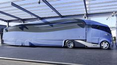 MAN unveils super-streamlined semi truck, Futuristic Vehicle