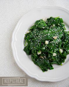 Garlic Sesame Spinach - KeepYourDietReal.com