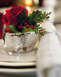 holiday, christmas centerpieces, christmas tables, christmas eve, red roses