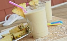 Healthy Pina Colada Breakfast Smoothie (Homemade Protein Shake) | Divas Can Cook
