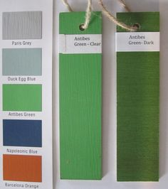 Choosing your wax finish with Chalk Paint® decorative paint by Annie Sloan. Here Antibes finished with Annie Sloan Soft Wax in both Clear and Dark.