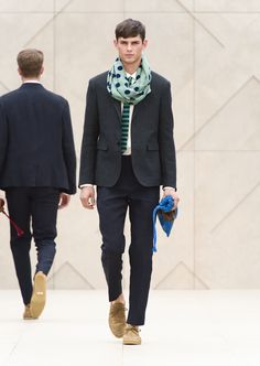 Burberry Prorsum Spring 2014 Forest green linen blazer with linen trousers and The Duffle Pouch in stripes