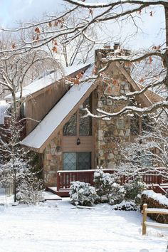 stay at a bed and breakfast in the winter - must have skiing, and a lodge with a huge fireplace I can sit beside with a cup of hot cocoa, warm quilt and a good book. -- The Fox Trot, Bed & Breakfast. Winter, Gatlinburg, TN #bed and breakfast #Gatlinburg #Smokymountains