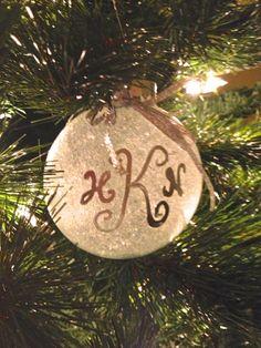 Glitter monogram ornament - DIY