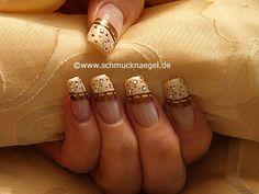 Nail art motivo 264 - Crear motivos en las uñas con esmaltes y piedras strass - http://www.schmucknaegel.de/