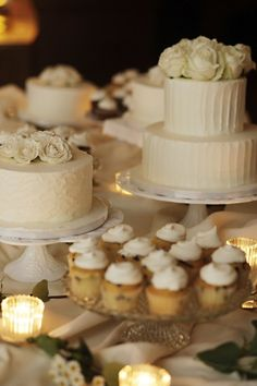 mesas de postres y tortas de bodas vintage weddings, dessert buffet, tiered cakes, wedding desserts, theme cakes, cake buffet, red velvet, wedding cakes, cake display