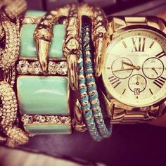 Michael Kors watch and bangles, love the claw!