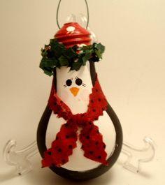 christmas time, lightbulb ornaments, penguin lightbulb, painted ornaments, christma decor, penguins, lightbulb craft, light bulb, hand painted christmas crafts