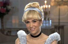 Kristin Wiig as Cinderella, hahaha