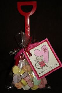 """Too cute...""""I Dig You"""" treats for Valentine's Day (I need to buy up shovels at the 'end of summer' sales!)"""