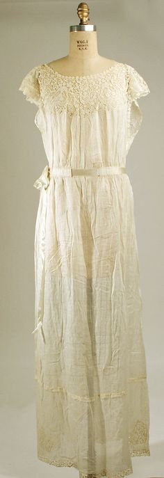 Nightgown 1925, French, Made of cotton and silk