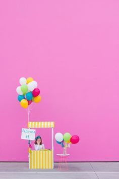 DIY Balloon Stand -