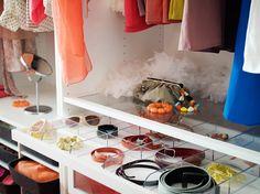 Wardrobe and small closet organizing tips