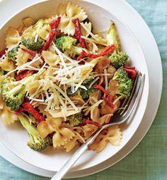 Sun-Dried Tomato and Broccoli Pasta AB: Delicious and Fresh!