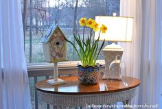 Between Naps on the Porch | Decorating the Porch for Spring | http://betweennapsontheporch.net