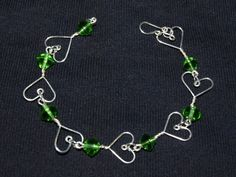 I love how simple this heart bracelet is. Going to make this one. bead, heart bracelet
