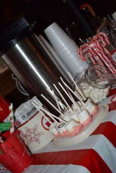 Hot Chocolate Bar with peppermint marshmallows #hotchocolatebar #peppermint