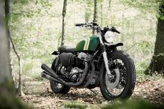 Honda CB750 K7 by 4h10   right front