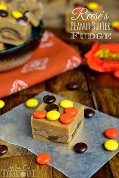 """EASY Reese's Peanut Butter Fudge (Mom On Timeout). """"It takes all of 5 minutes and ohmygoodness!"""" reeses pieces fudge, peanut butter fudge, peanuts, reeses fudge, food, recip, easi rees, rees peanut, dessert"""