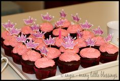 Planning an inexpensive birthday party (our princess birthday party for under $25)