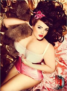 pin up plus size such a pretty picture.  I think this would  be fun to take sexy but covered pictures