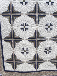 Log Cabin quilted by Jessica's Quilting Studio, via Flickr