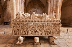 Dona Inês de Castro gothic tomb in the Alcobaça monastery, a UNESCO World Heritage Site. Portugal