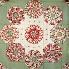 T-Christmas in the Round by Linda Rotz Miller Quilts & Quilt Tops, via Flickr