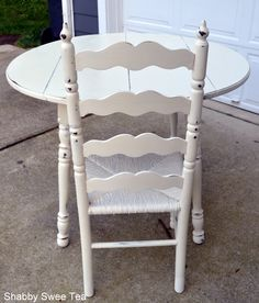 Annie Sloan Chalk Paint Dinette Make Over by Shabby Sweet Tea  http://shabbysweettea.com