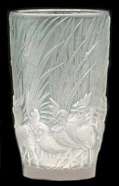 Coqs-et-plumes Vase, Rene Lalique Vases - DJL Lalique