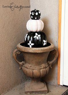 #halloweendecor #pumpkins