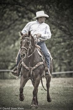 Mr. George Strait, proving he not only can sing - he can ride, too!