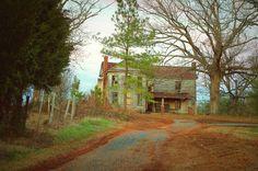 Abandoned house.  Photo by Scott Garlock photography.