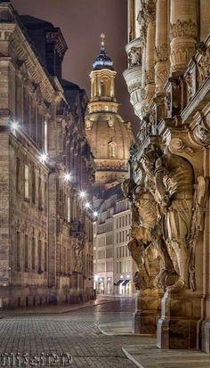 Frauenkirche at night, Dresden, Germany (by Mirko Seidel)
