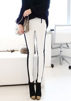 Black White Slim Leggings. Ow wow, I'm so getting them!