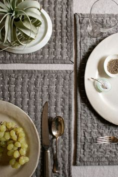 Make these reversible place mats tutorial AND 45 BEST Weekend Lifestyle DIY Tutorials EVER. DECOR, FURNITURE, JEWELRY, FOOD, WHIMSEY, PARTY from MrsPollyRogers.com