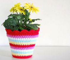 Crochet Flower Pot pattern!!!!! So friggin cute I have to make this!!!!