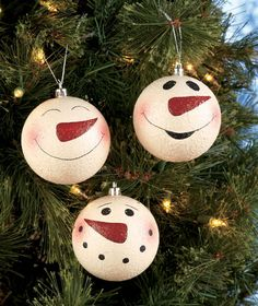 Snowman ornaments for mom. these will be fun to paint! use old ornaments to paint over or you can buy clear ones. Instead of painting you could also fill with fake snow. now thats a idea!