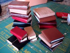 THE FASHION DOLL REVIEW: Miniature Books ~ an easy & inexpensive project!