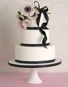 beautiful wedding cakes by Peggy Porschen
