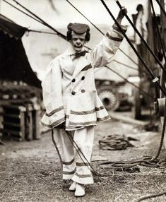 1920's circus clown