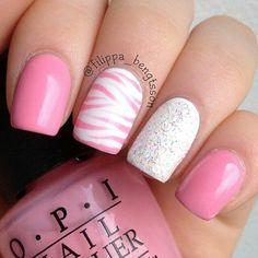 Pink and white glitter zebra stripe nailart #nailart #nails #summer #pink #white #glitter #stripe #zebra