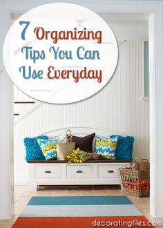 There are lots of little things you can do everyday to help stay organized. Here are 7 simple organizing tips that you can make part of your daily routine. #organizingtips
