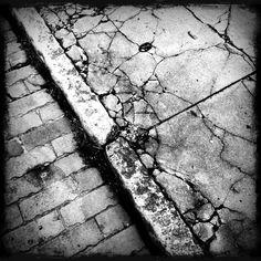 Granite curb