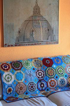 Granny square pattern - love the colors!